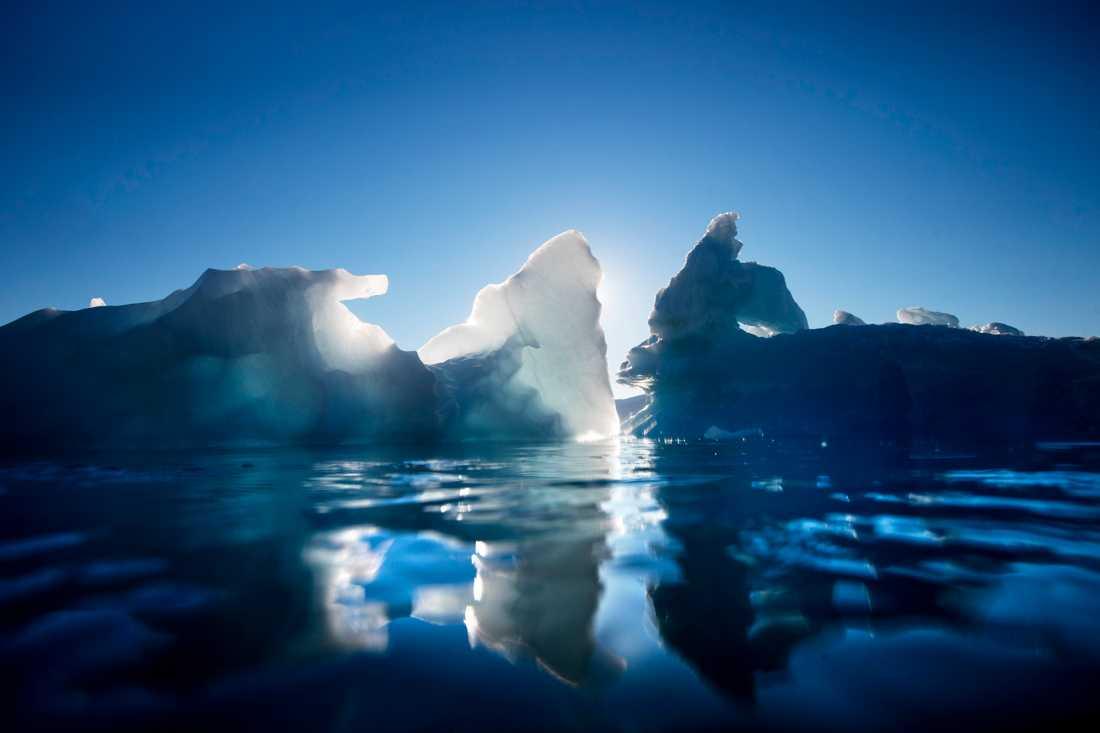 Forskare varnar för att smältande isar på Grönland och Antarktis riskerar att ställa till med klimatkaos snabbare än man tidigare trott. Arkivbild.