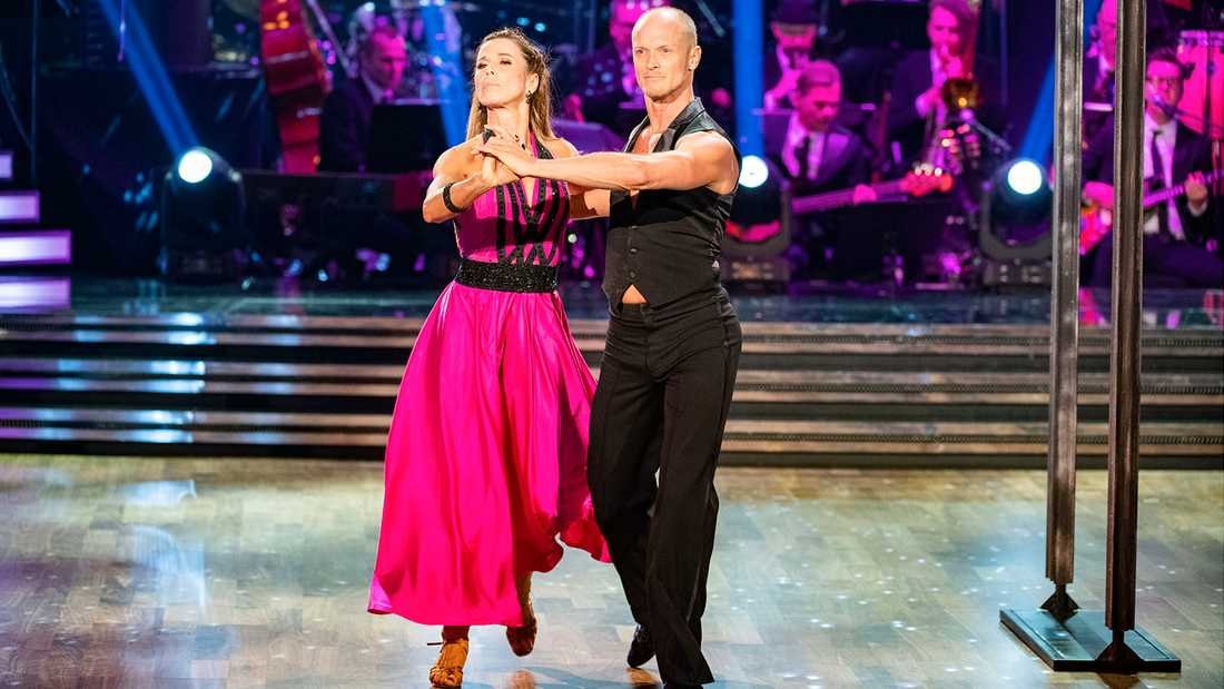 """Magdalena Forsberg är kvar i """"Let's dance""""."""