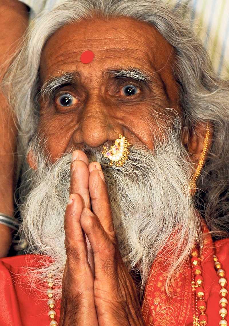 82-årige Prahlad Jani har testats. Läkare stängde in honom i ett rum - och Jani överlevde två veckor. Enligt uppgifter bara på luft.