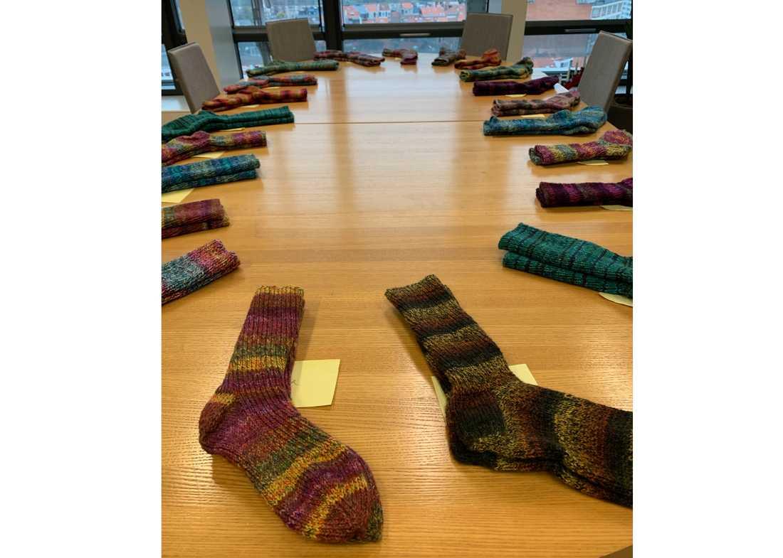 EU:s inrikeskommissionär Ylva Johansson har under året använt lediga stunder till att sticka sockor till sin närmaste personal. 22 par har det blivit.