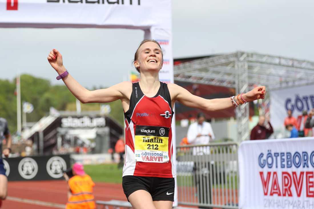 Malin Strand, Sävedalen, blev svensk mästare på halvmaraton sedan hon blev bästa svenska på Göteborgsvarvet. Tid: 1.17,53.