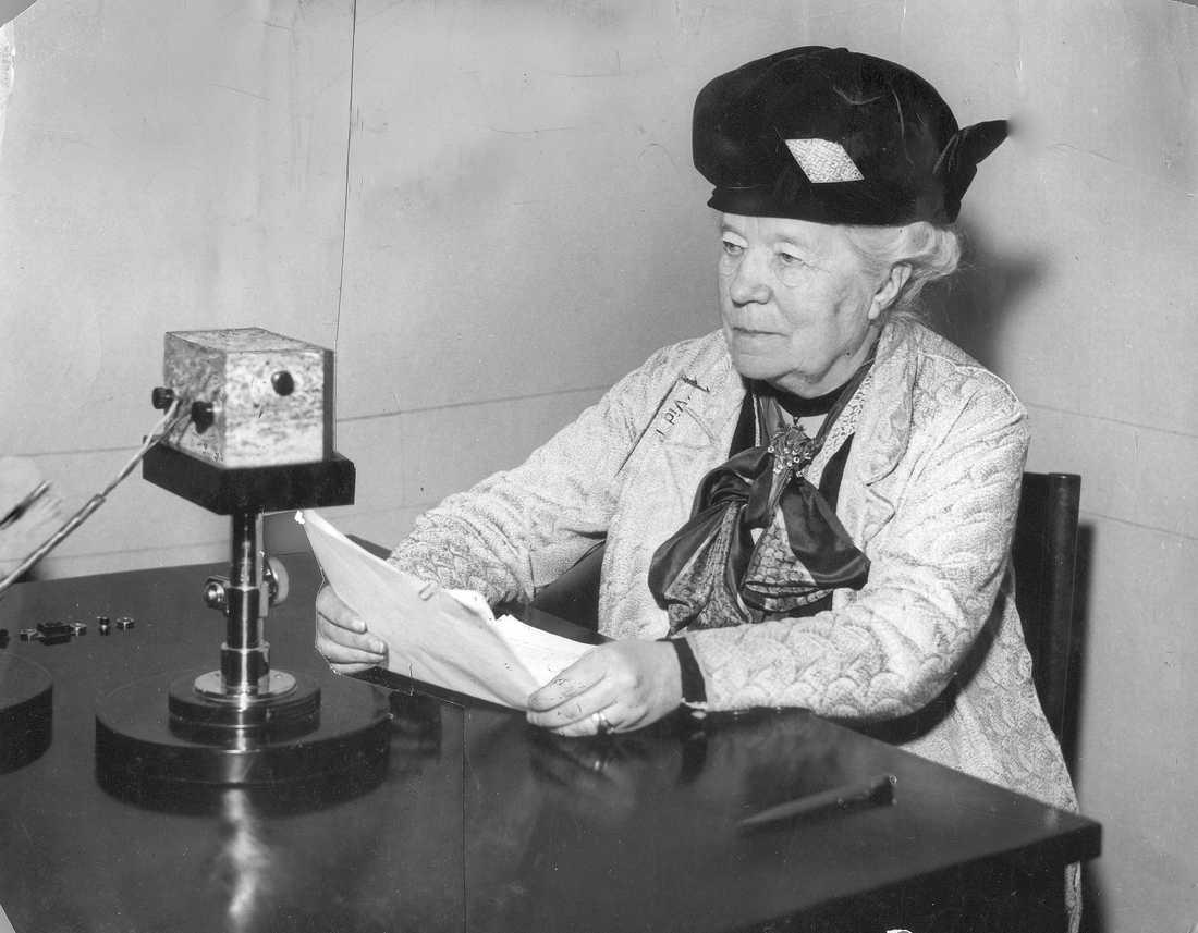 Selma Lagerlöf iklädd knytblus.