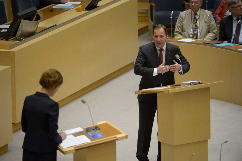 Det blev hetsigt direkt mellan statsminister Stefan Löfven och M-ledaren i partiledardebatten.