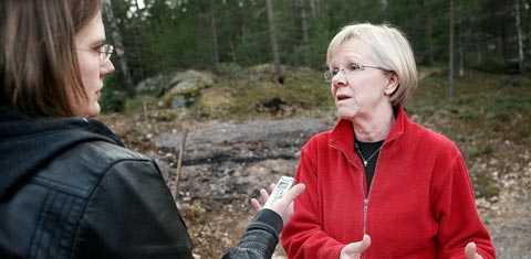 """""""jag har ett stöd"""" LO:s ordförande Wanja Lundby-Wedin har tillbringat helgen på familjens sommarställe i Stockholms skärgård, där Aftonbladet träffade henne. I dag fortsätter diskussionerna med LO:s styrelse. """"Det är klart att mitt förtroende är naggat i kanten bland medlemmarna"""", säger hon. """"Men att lämna nu skulle jag inte göra av egen kraft."""""""