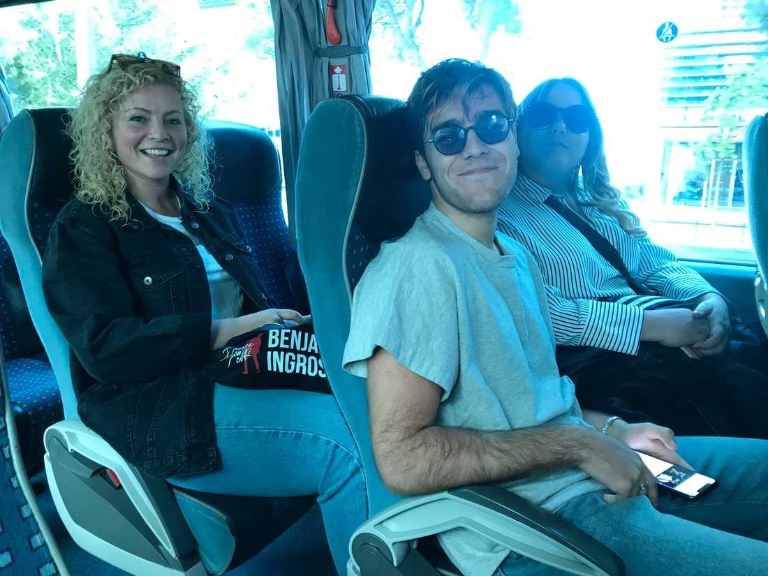 Benjamin Ingrosso med sitt team på rundtur under en ledig torsdag i Lissabon.