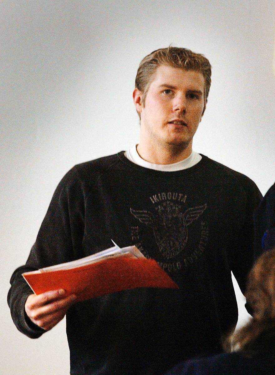Mikael Hagelin. Mördade sin flickvän i Fagersta med kniv. Tidigare dömd för att ha huggit ihjäl även sin mamma med mer än 40 knivhugg. Då var han 17 år. I fängelse sedan 2006. Dömd 2006