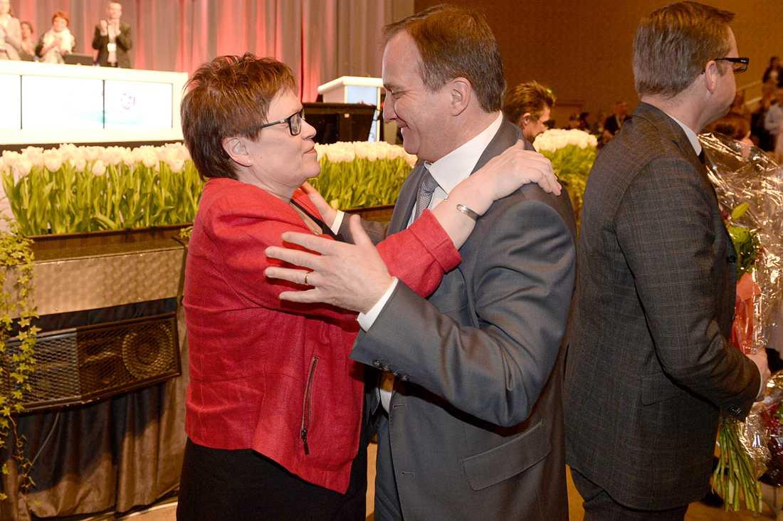 Elvy Söderström och Stefan Löfven på socialdemokraternas kongress 2013.