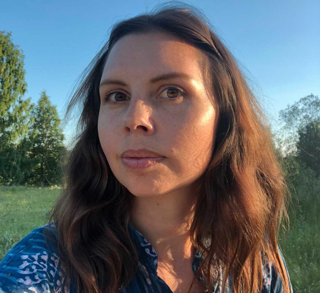 Nanna Mårskog flyttade med sin man Jakob till Skogsnäs i april förra året. Hon är väldigt nöjd med att de valde att lämna Stockholm för ett liv på landet.