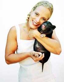 I England kan deprimerade rekommenderas husdjur på recept. Kanske kan en minigris hjälpa mot vårdepressionen?