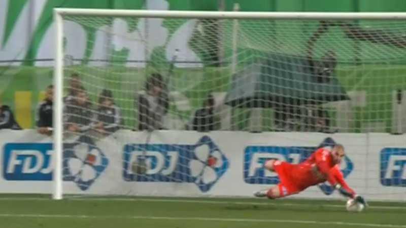 MISSAR Silva bränner sin straff - och PSG är därmed utslaget ur cupen.