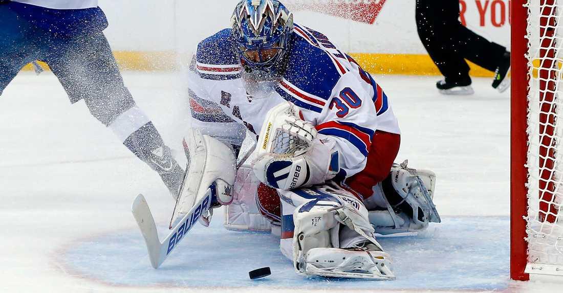 Henrik Lundqvist stod för 36 räddningar när Rangers tog sista chansen.