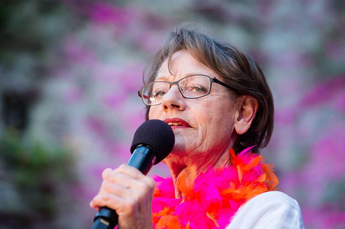 Gudrun Schyman skulle kunna hålla koll på världens första feministiska regering.