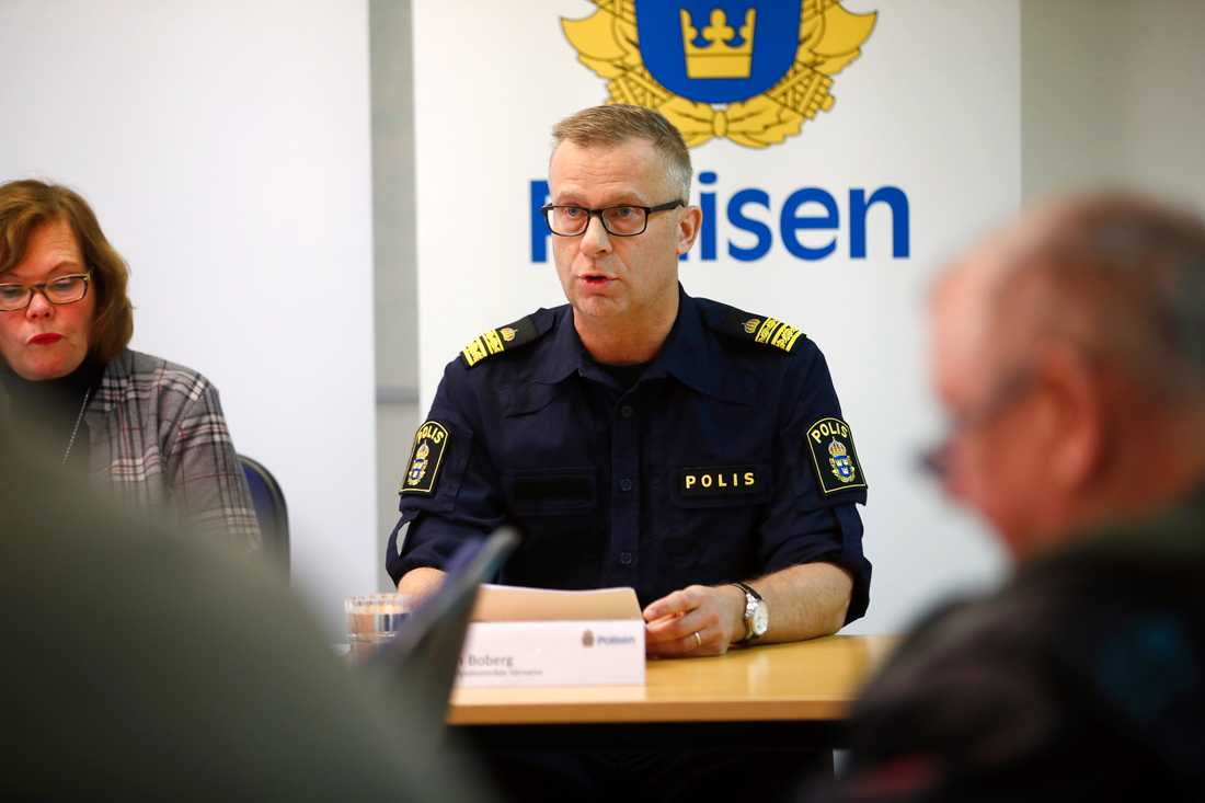 Håkan Boberg, lokalpolisområdeschef i Värnamo, vid en pressträff i fjol. Arkivbild.
