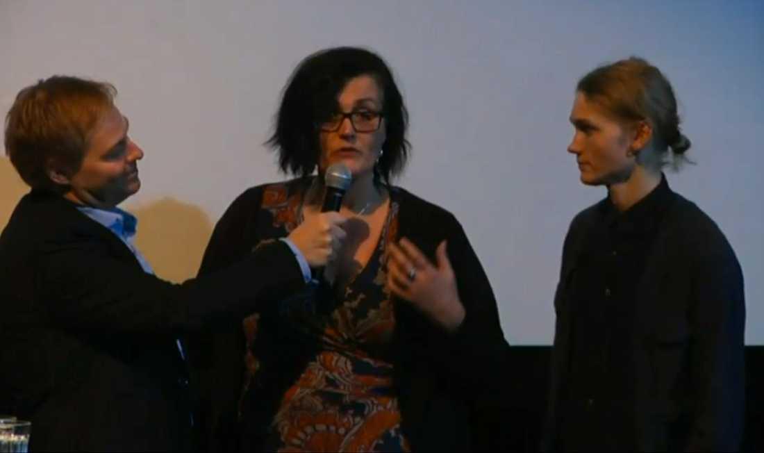 Filminstitutets presschef Jan Göransson, Madeleine Ekman (producent, Bästa film) och Ulrik Munter (Bästa manliga) och  intar scenen.