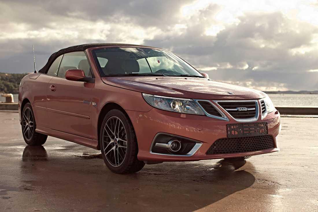 Saab 9-3 Independence Edition byggdes för att fira ett år som fristående tillverkare efter att ha tidigare ägts av General Motors