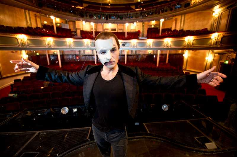 Peter Jöback blir Fantomen på Cirkus.