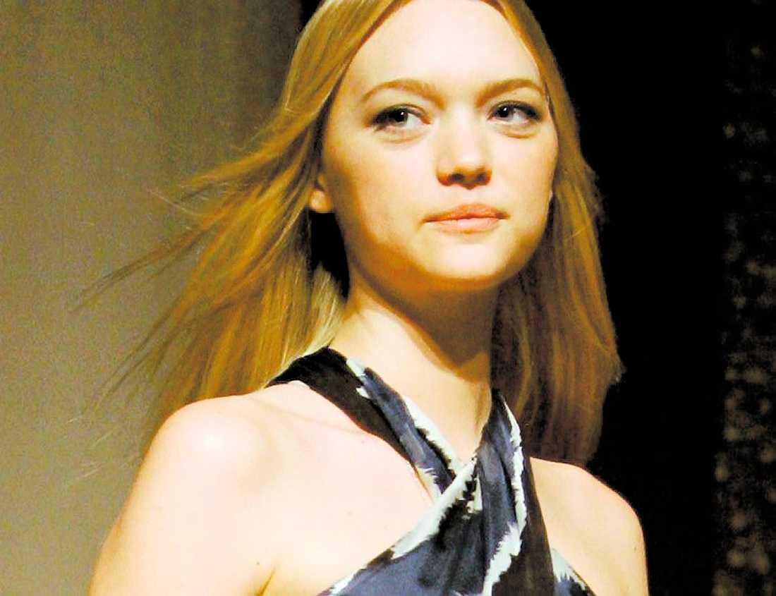 nya flickvännen Enligt TMZ dejtade Ledger fotomodellen Gemma Ward. De ska ha ätit middag kvällen före hans död.