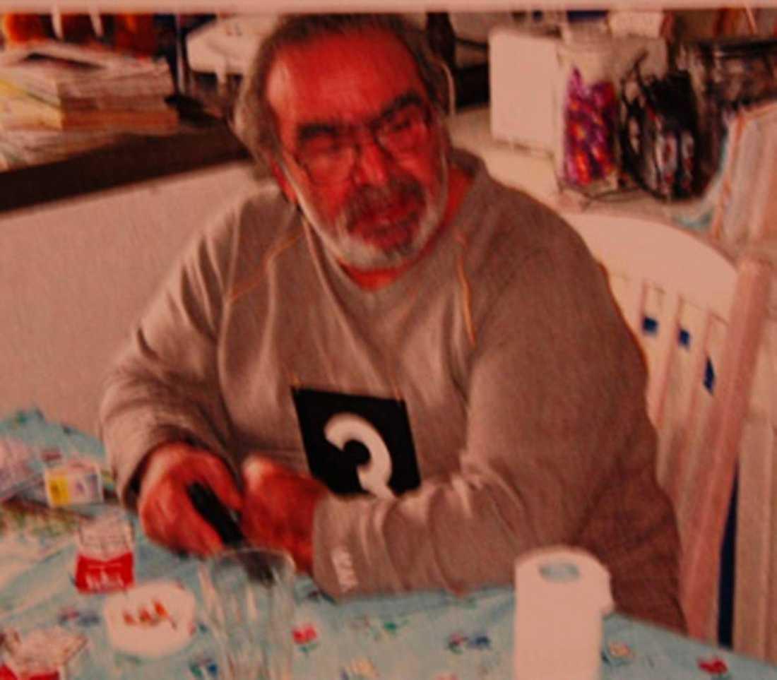 Peter Absberg. Sköt och knivhögg sin hustru i Vessigebro. Hon hade ansökt om skilsmässa och flyttat till ett boende hon fått via en kvinnojour. Flera av barnen var hemma. Dömd 2006