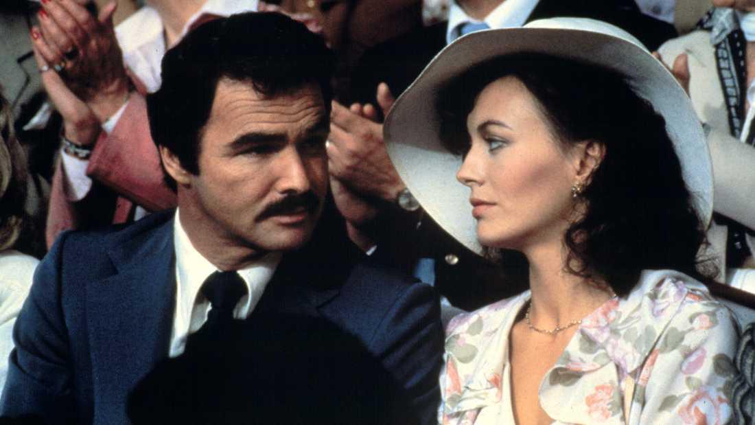 "Burt Reynolds och Lesley-Anne Down i ""Sköna juveler""."