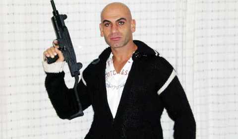 GÄngledarna Kampen mot OG startade 1993 i Göteborg. Den då 19-årige Denho Acar rekryterade ett antal medlemmar till sitt kriminella gäng. Under 1990-talet var de inblandade i en rad uppmärksammade våldsbrott. Denho är häktad i sin frånvaro men lever i Turkiet där han är medborgare. Flera av Original Gangsters tidigare ledare har uteslutits eller hoppat av.