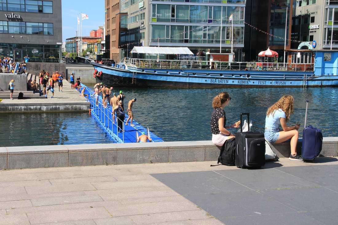 Malmö är hippt, billigt och nära, anser de allt fler utländska turisterna som väljer att besöka staden.