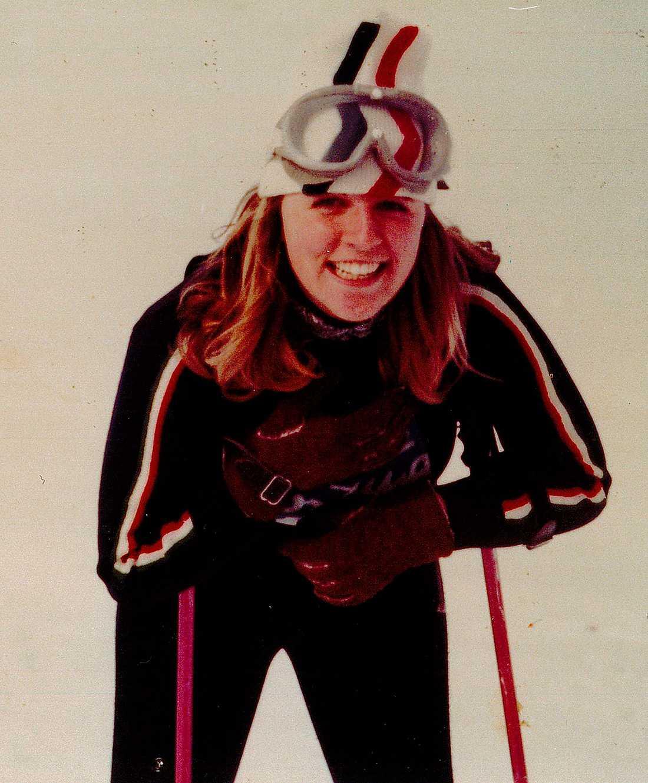 idrottaren  Som ung gillade Christillin att idrotta och var framgångsrik i längdskidor.