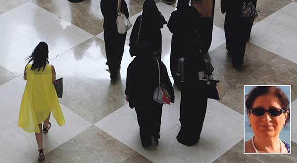 De första som drabbas av islamisterna är kvinnor, skriver Parvin Kaboly.