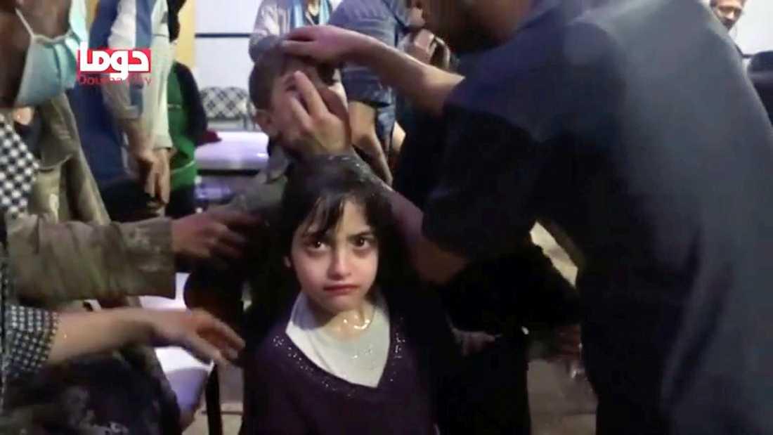 Bilder från Douma som uppges visa följderna av en kemgasattack.