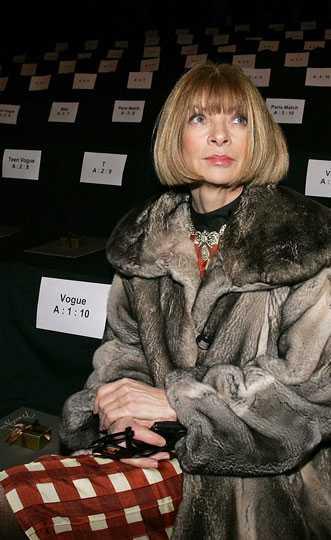 Anna Wintour, världens mest kända moderedaktör var först på plats...