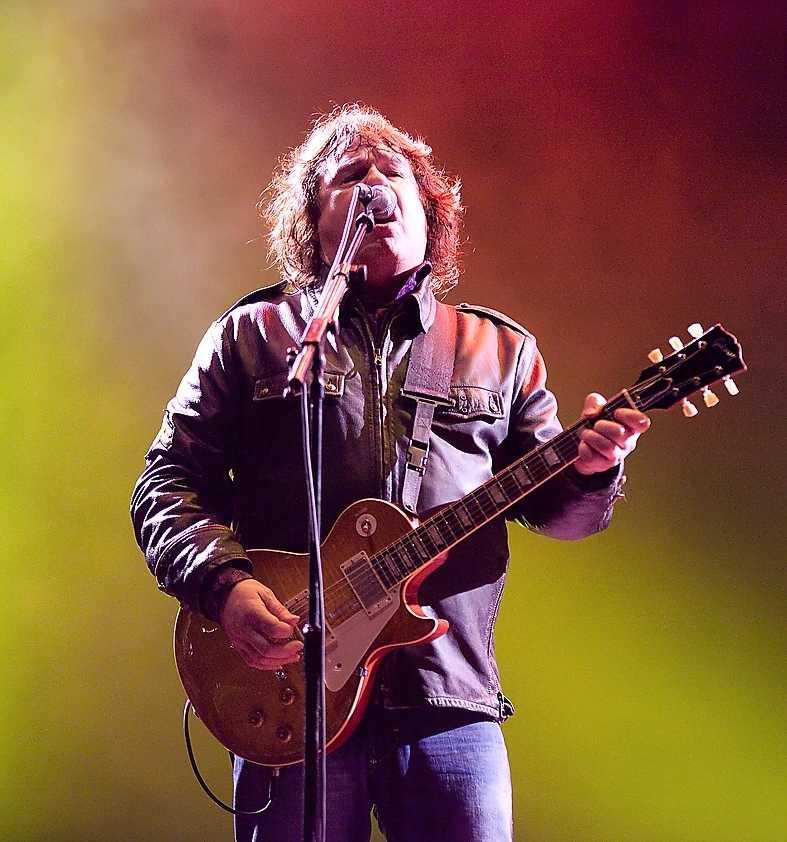 Moore i somras när han spelade på Sweden rock.