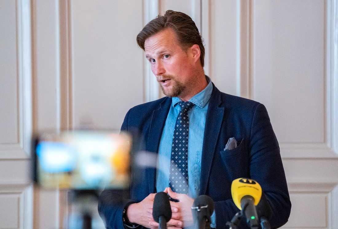 Skånes regionråd Carl Johan Sonesson (M) under en presskonferens. Aerkivbild.