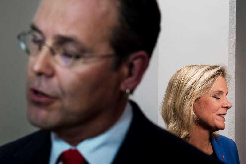 Anders Borg lämnar politiken och efterträds som finansminister förmodligen av Socialdemokraternas Magdalena Andersson.