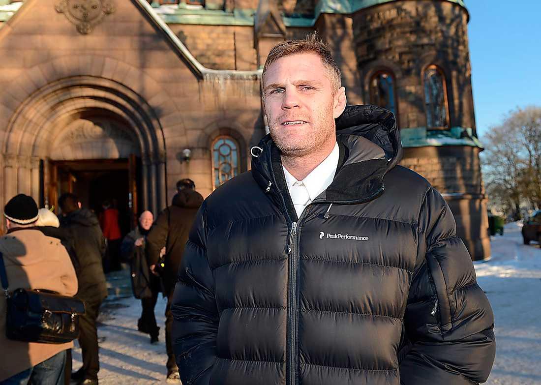 Jörgen Kruth berättar att Carlberg hjälpt att sprida kampsporten i Sverige genom att låna Fryshuset. – Anders hjälpte kampsporten när den inte var accepterad i Sverige.
