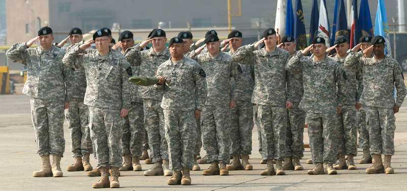 Amerikanska soldater på Guam, som hotats av Nordkorea.