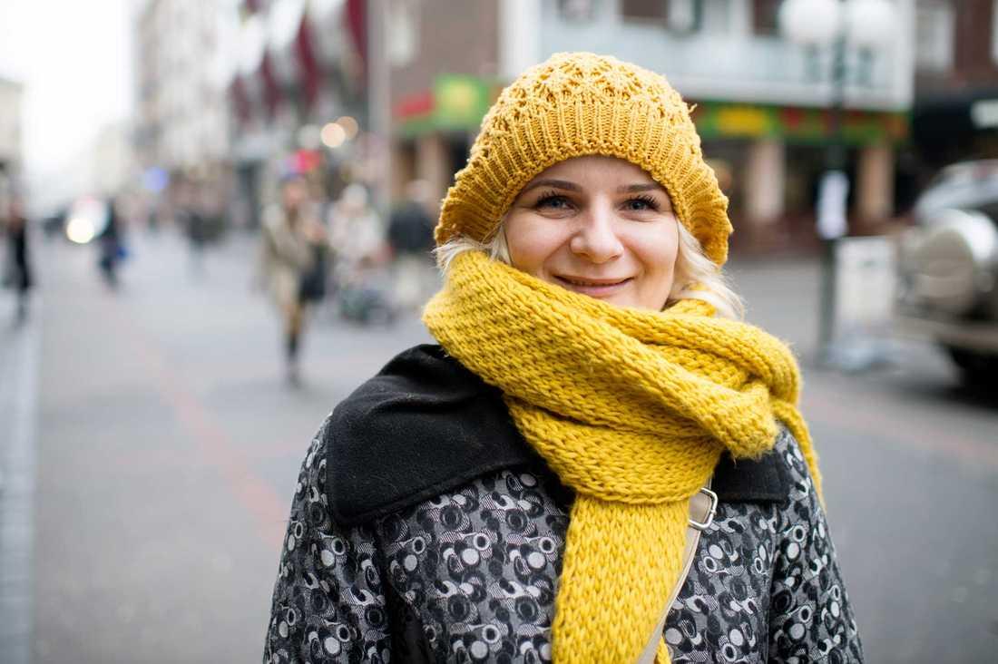 Evelina Potok, 39, byggnadsförvaltare, Poznan: – Jag tycker att den är dålig. Det känns som om allt håller på att falla i bitar. Regeringen försöker ta över media.