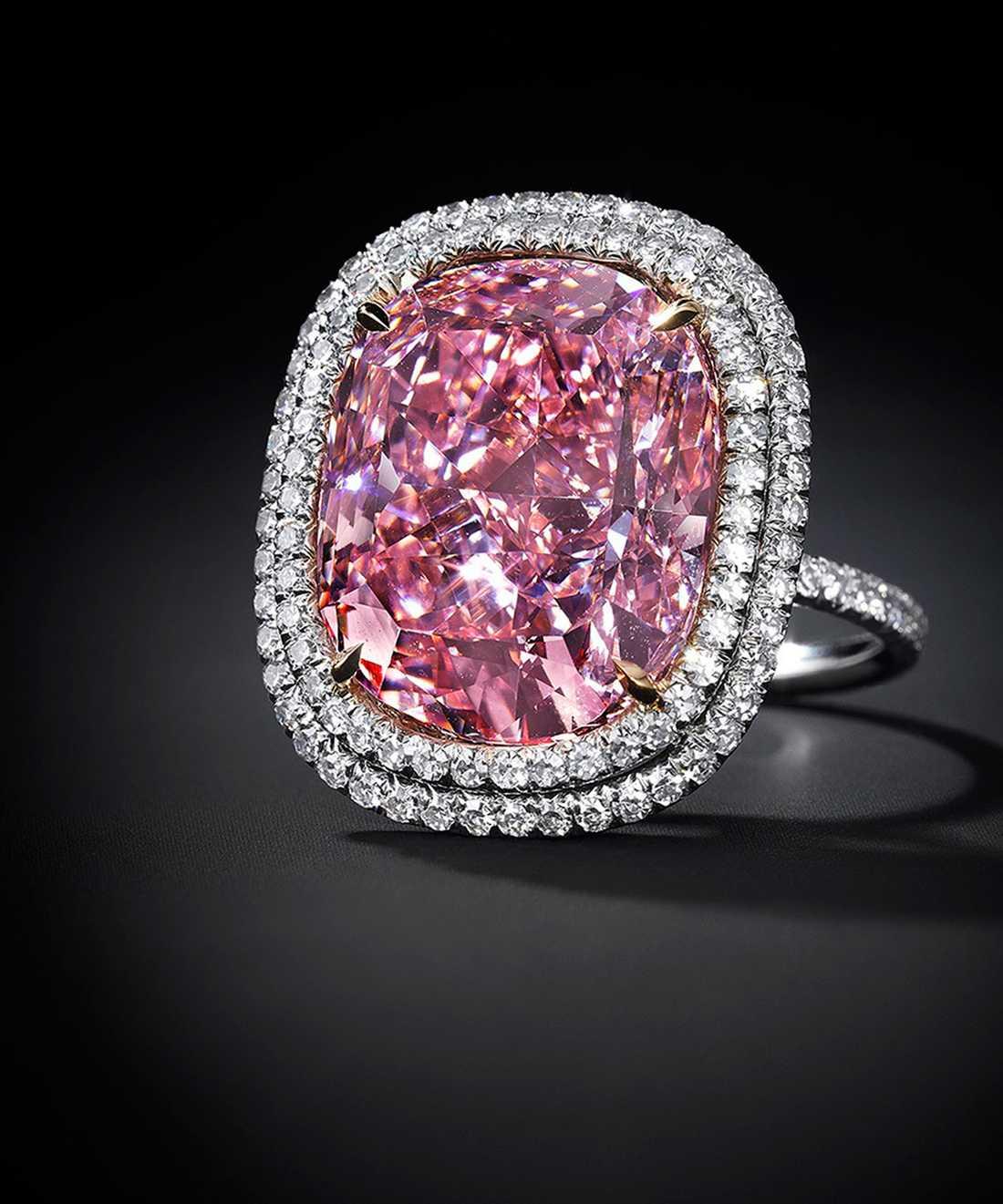 """Christie's säljer diamanten """"In the pink"""" på 16,09 karat. Den väntas inbringa omkring 244 miljoner kronor."""