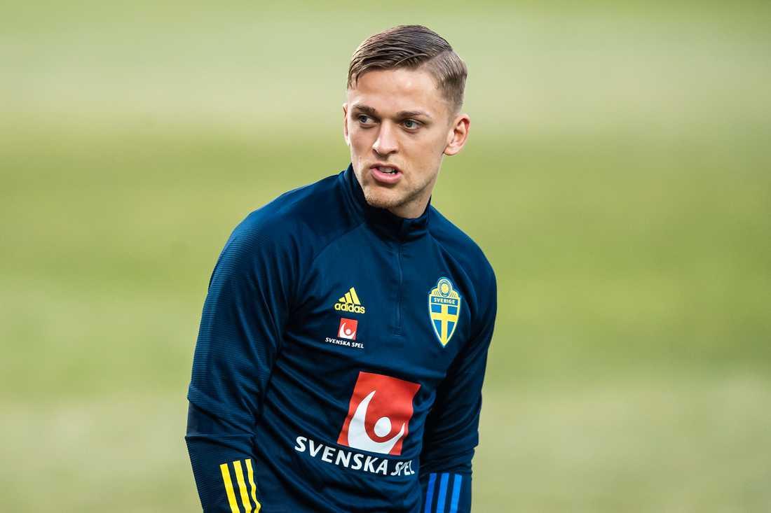 Jesper Karlsson får chansen från start i Sveriges träningslandskamp mot Estland.