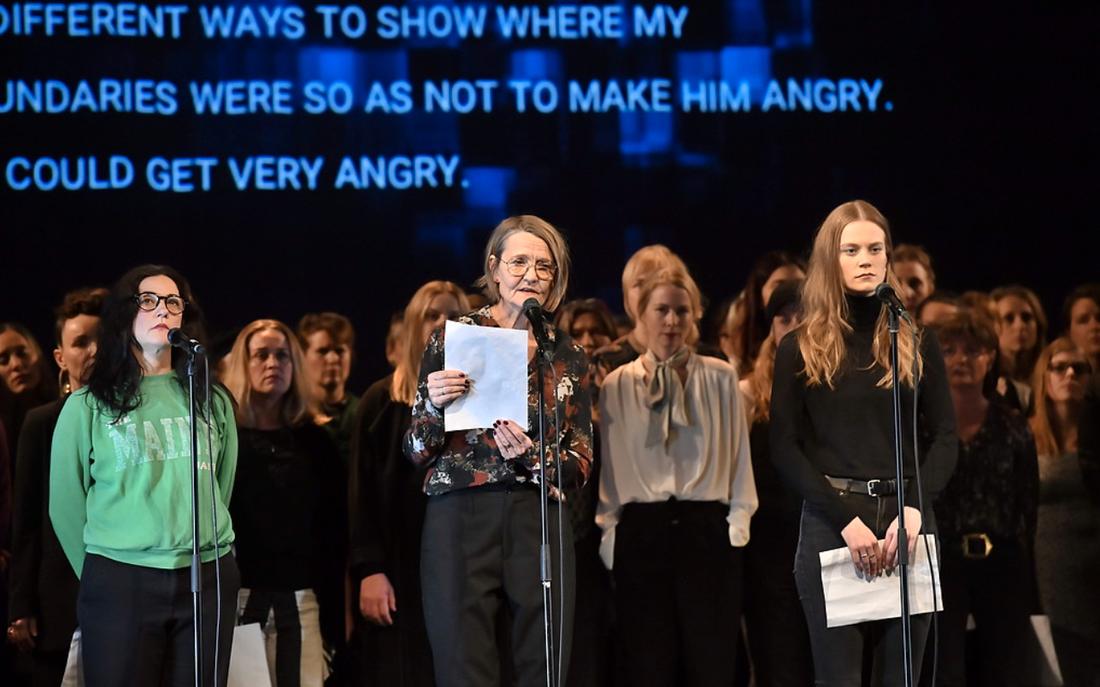 """Hundratals skådespelare intog scener runt om i Sverige för att läsa de anonyma vittnesmålen högt i november. Nu planerar #tystnadtagning att """"ta rörelsen vidare"""" under Guldbaggegalan, skriver SVT:s Kulturnyheterna."""