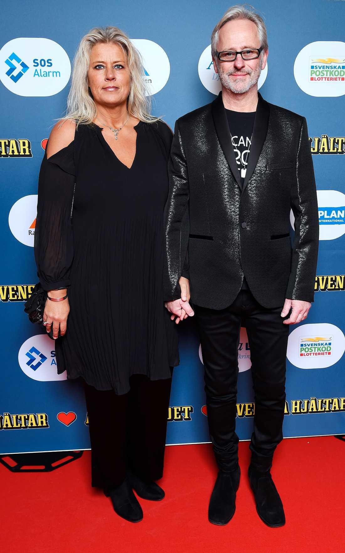 Sångaren Uno Svenningsson tillsammans med sin Carina –Uno uppträdde även under kvällen.