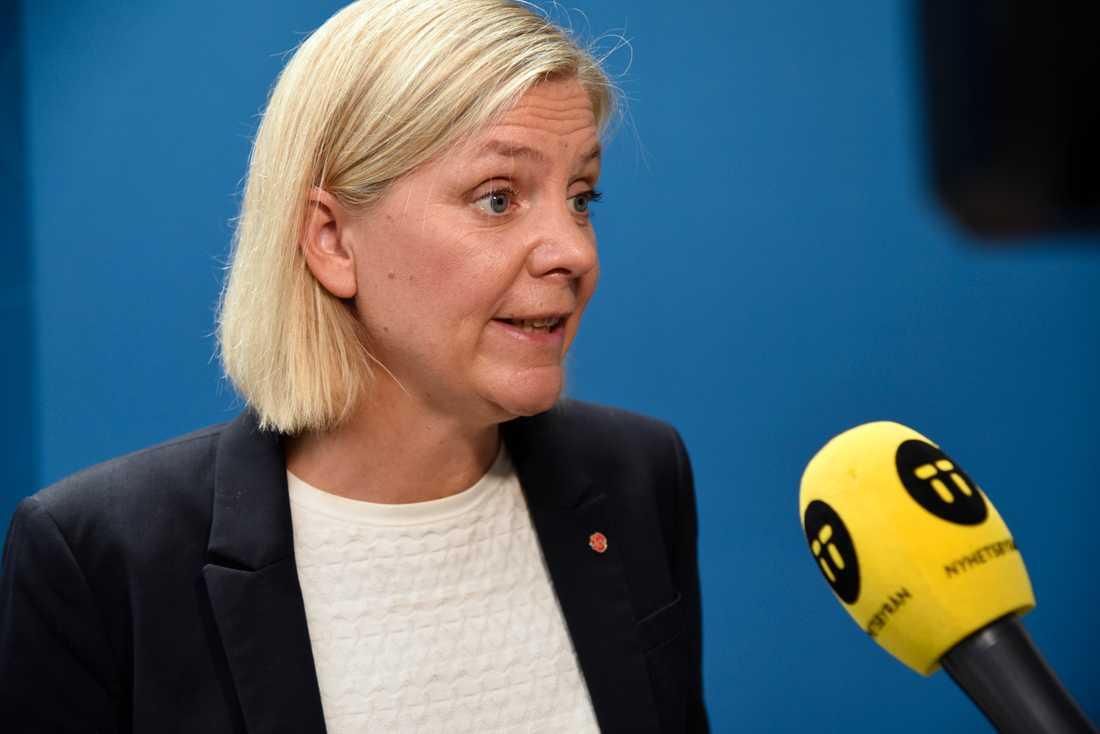 Finansminister Magdalena Andersson (S) presenterar finansieringen av de ökade anslagen till försvaret.