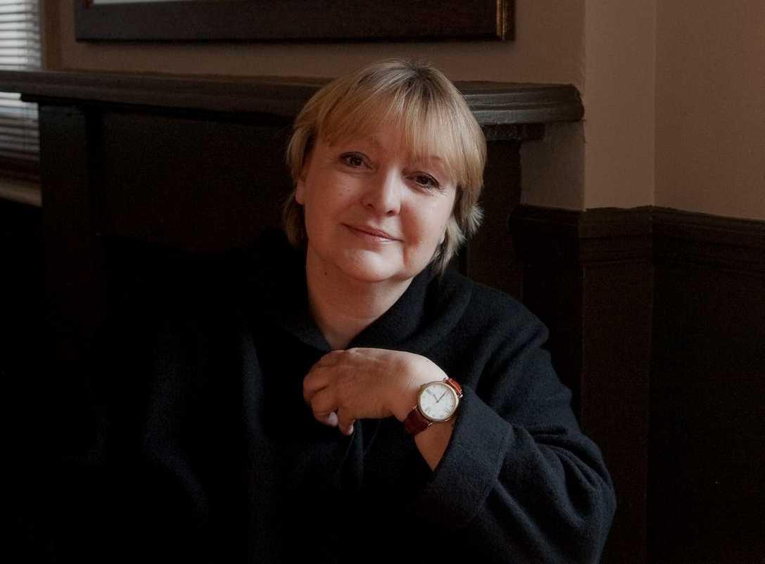 Dubravka Ugrešić (född 1949), litteraturhistoriker, essäist och skönlitterär författare. Hon lämnade Kroatien 1993 och är bosatt i Amsterdam.