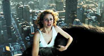 Den här gången är det Naomi Watts som King Kong hittar i djungeln och förälskar sig i.