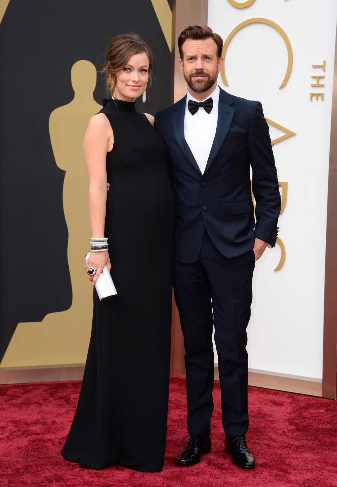 """+++ Olivia Wilde: """"En Valentino-klänning som är snyggare på baksidan än framsidan. Lite synd då vi sällan får se ryggen, men elegant är det. Väldigt klassiskt och enkelt för Olivia Wilde!"""""""