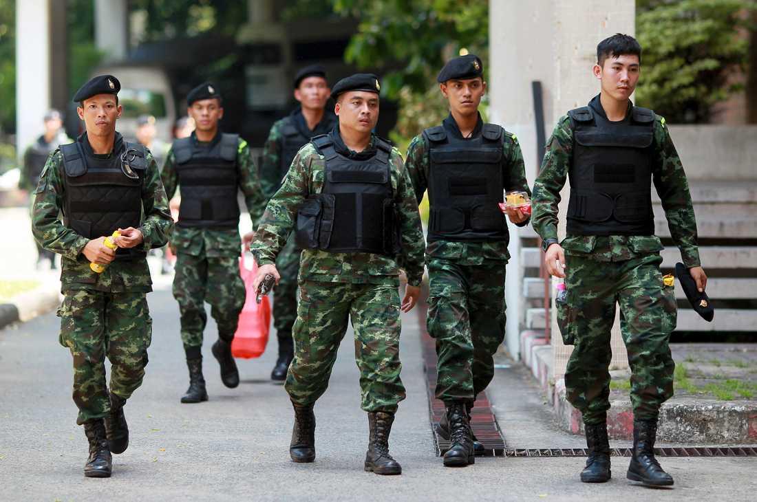 Juntan har gett militären polislik makt och kritiseras för brott mot mänskliga rättigheter.