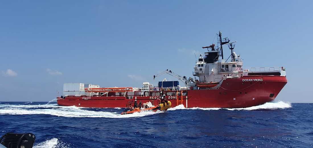 Efter fyra räddningsinsatser under lika många dagar sätter Ocean Viking nu kurs mot norr.