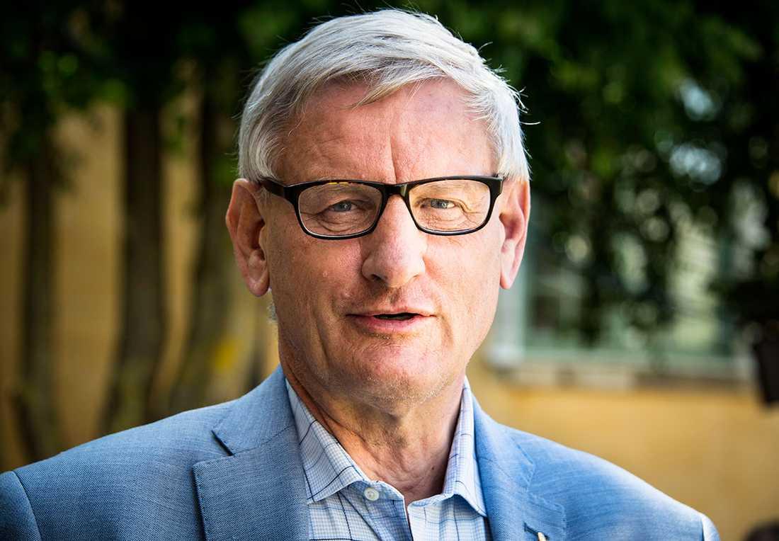 Förre M-lCarl Bildt.