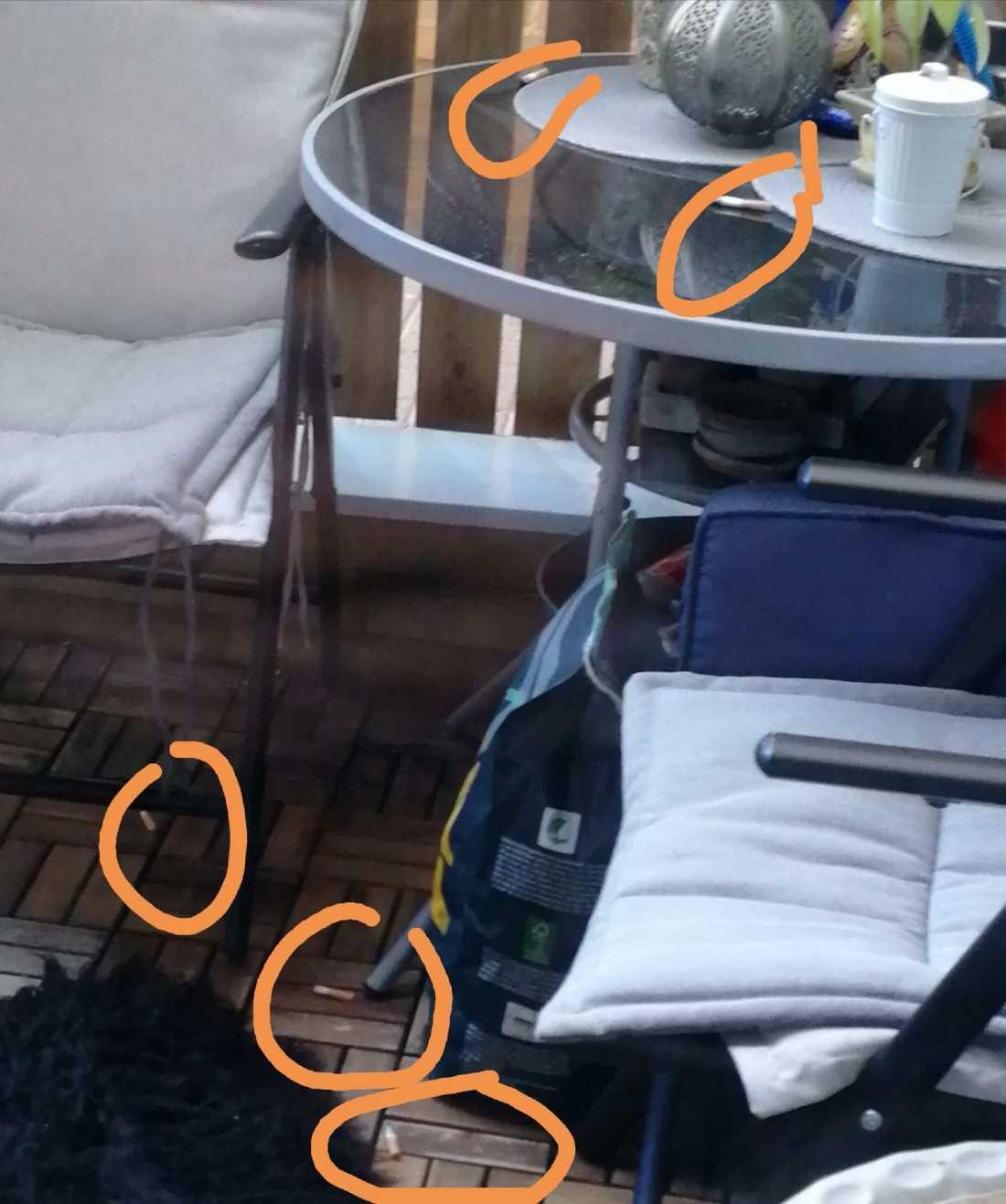 Ovälkommet fimpregn på grannens altan.