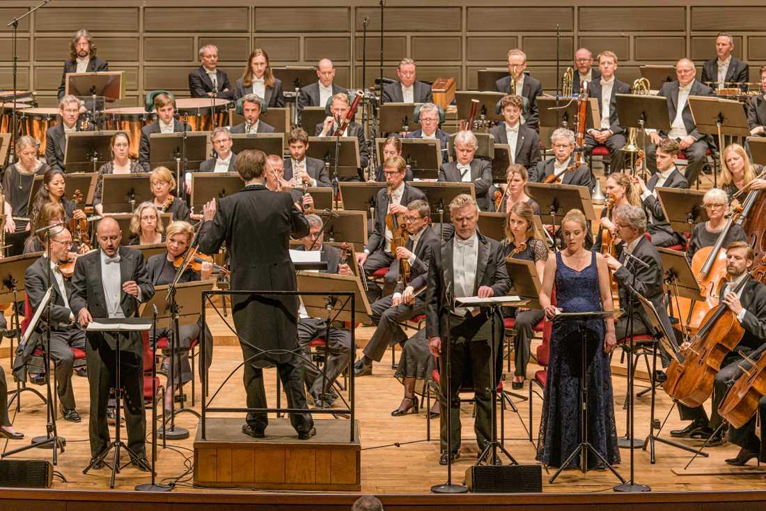 Kungliga filharmonikerna under ledning av Patrik Ringborg.