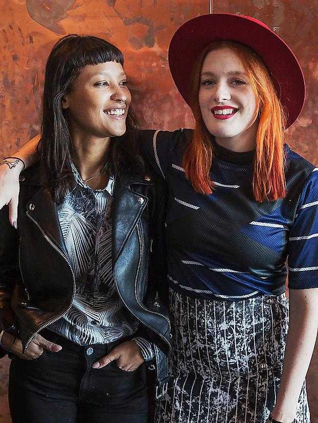 Aino Jawo och Caroline Hjelt i Icona Pop.