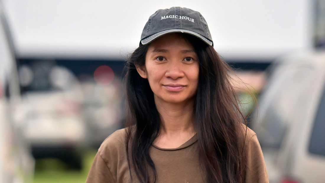 """Chloé Zhao vann priset för bästa film med """"Nomadland""""."""